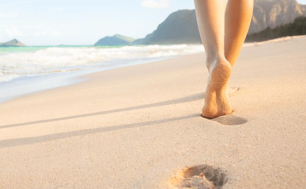 Caminar en el mar efectos terapéuticos